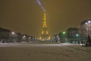 Eerie quiet in the snow on the Champs de Mars