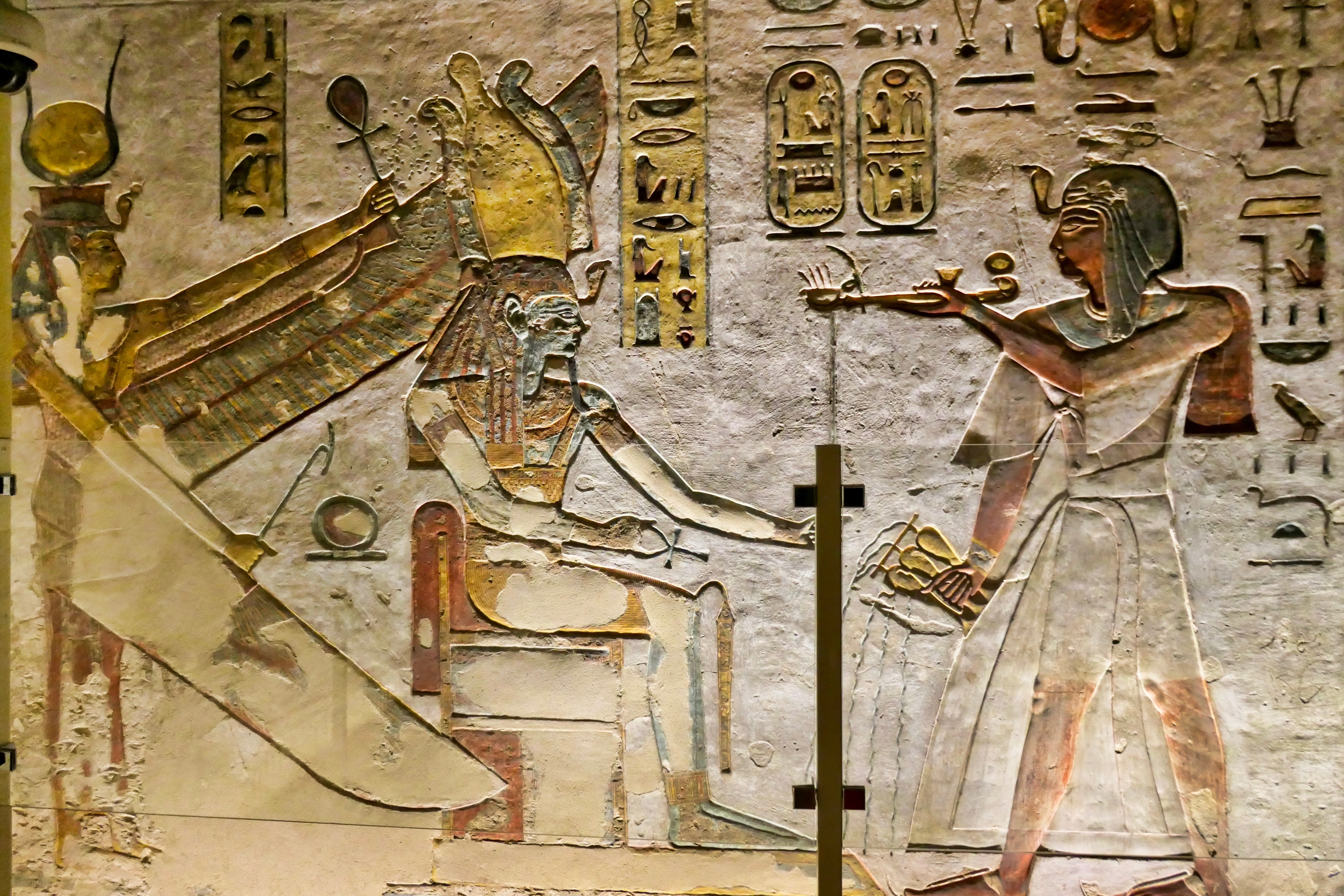 5e4d758579e2 Ramses III making an offering to Osiris and Isis
