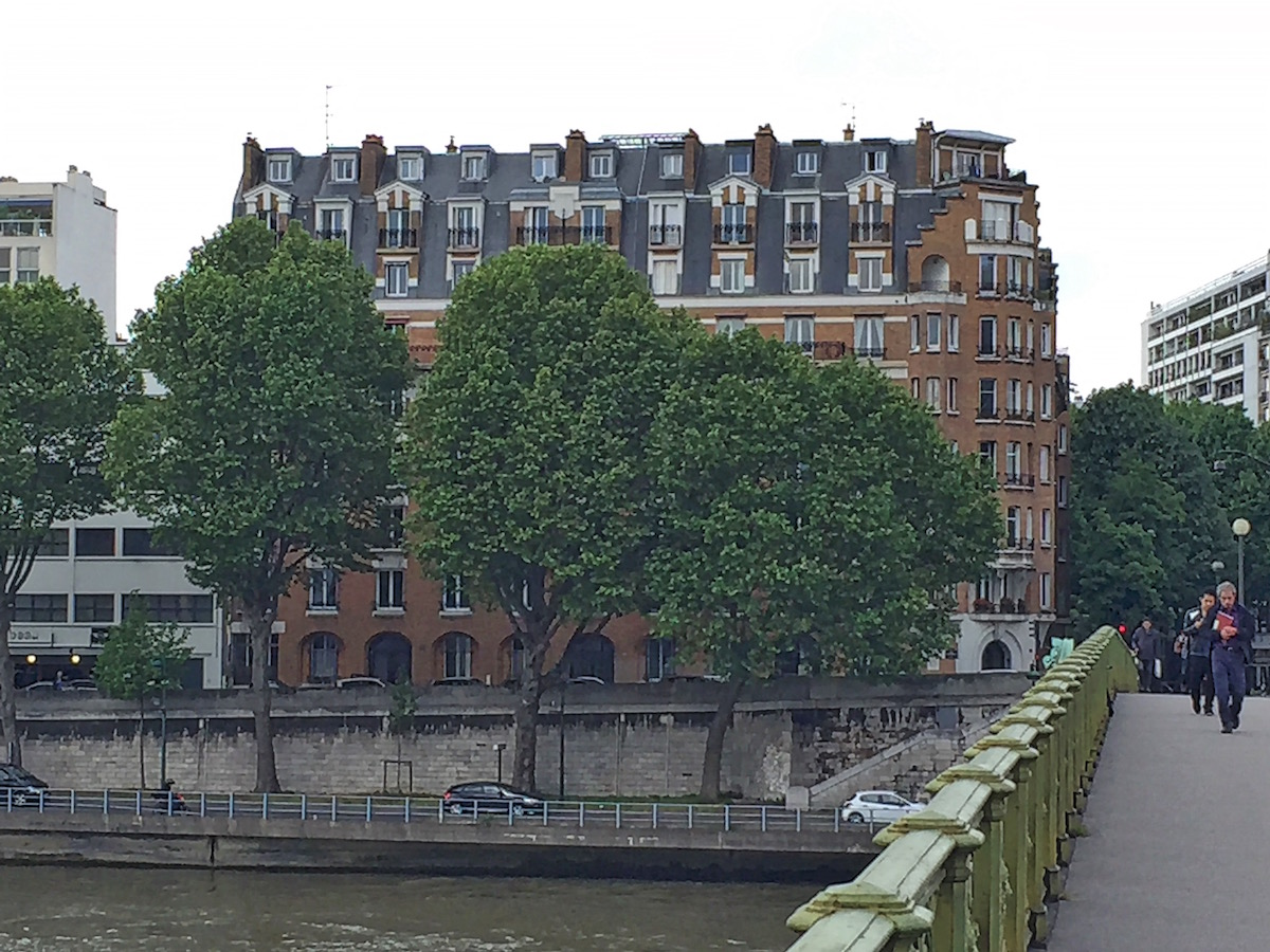 Building where Eisenhower lived in Paris in 1928, now 68 Quai Louis Blériot